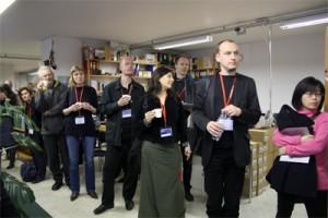 Ulkomaiset vieraat tutustuivat Kanteleliiton, Suomen Kansanmusiikkiliiton ja Maailman musiikin keskuksen toimintaan. KUVA: Tove Djupsjöbacka